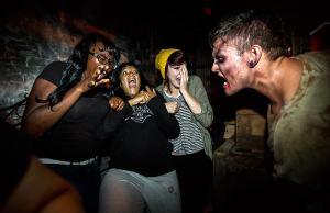 The-Walking-Dead-Halloween-Horror-Nights-2013