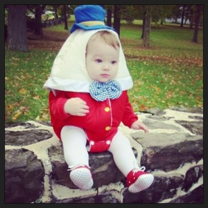 Humpty Dumpty sat on a wall - Ha,ha! How adorable is this!