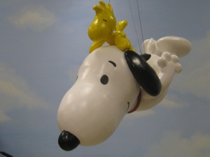 Snoopy_and_Woodstock_Macys_Parade_balloon_model