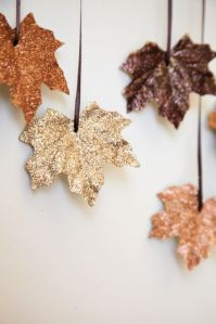 glitter_leaves_fall_decor