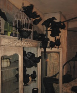 hutch_black birds_halloween_decorations