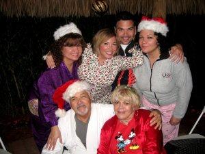 happy_holidays_christmas_family
