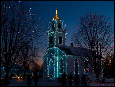 Christmas-lights-holiday-church