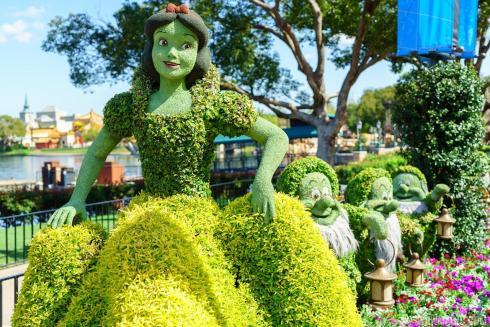 Epcot-International-Flower-and-Garden-Festival-The Writer Next Door-Vashti Q