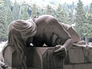 the writer next door-haiku_friday-Poetry-grave_statues