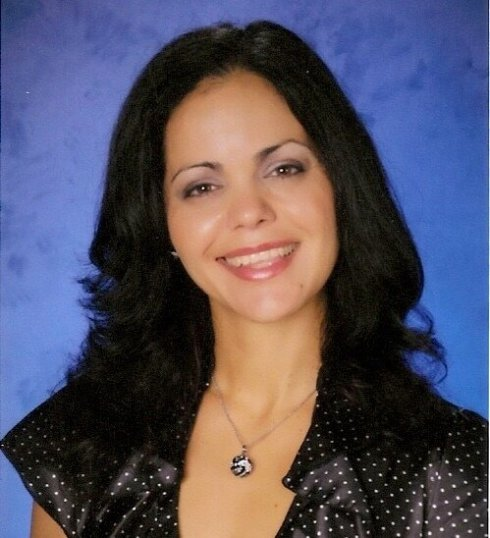 Yvette Calleiro-RWISA-Rave Reviews Book Club-author_spotlight-Vashti Quiroz Vega-The Writer Next Door-RRBC-Vashti Q